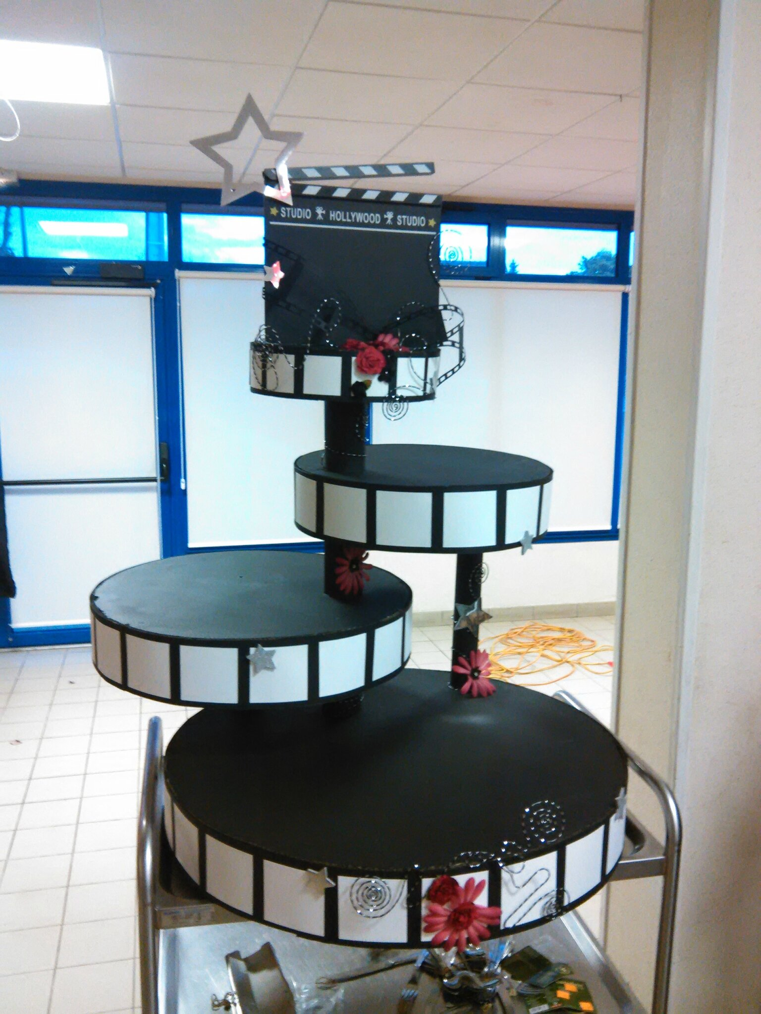 Deco de salle sur le theme du cinema les r v lations cr atives de nathalie - Deco de table theme cinema ...