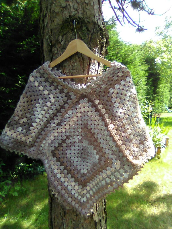poncho simple beige