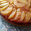 Gâteau quatre-quart renversé aux pommes