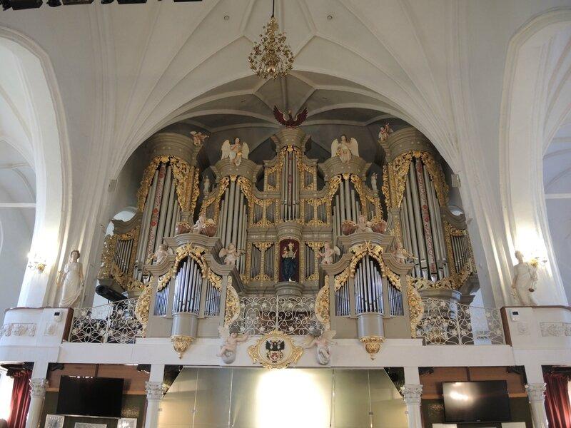 Kaliningrad, cathédrale de Königsberg, intérieur, orgues (Russie)