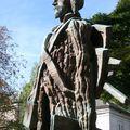 06-statue van-gogh