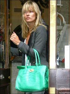 kate-moss-green-crocodile-mulberry-bag