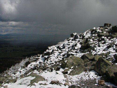 2008 04 14 Les pierres du Lizieux sous la neige