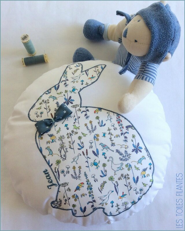 Coussin rond musical appliqué Lapin5