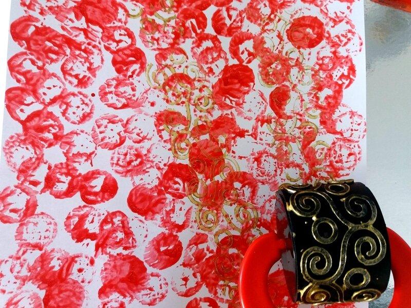 282_Noël et Nouvel an_Carte ou calendrier rouge et or (11)