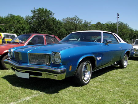 OLDSMOBILE Cutlass Salon Colonnade Hardtop Coupe 1975 Broc aux Tacots de Richwiller 2010 1
