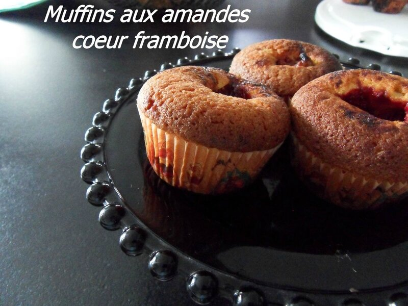 muffins aux amandes coeur framboise
