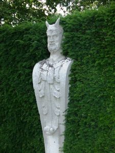 statue_buisson