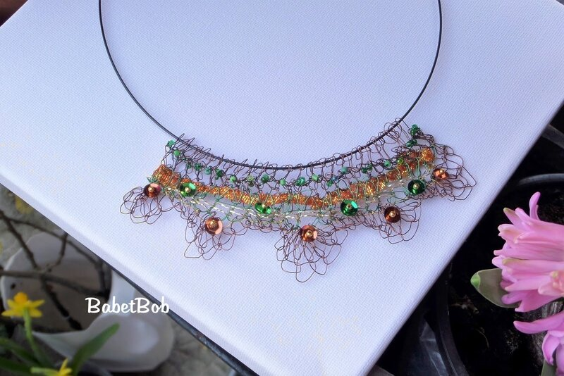 colliers fil de fer crocheté (4).JPG