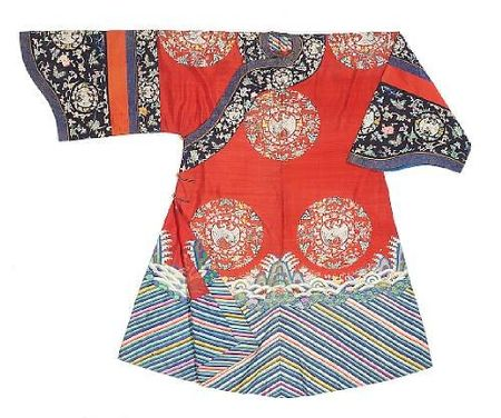 A_Manchu_noblewoman_s_kesi_woven_silk_semi_formal_court_robe__danpao_