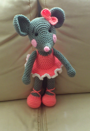 tuto amigurumi souris ballerine tout sur le crochet et les amigurumis. Black Bedroom Furniture Sets. Home Design Ideas
