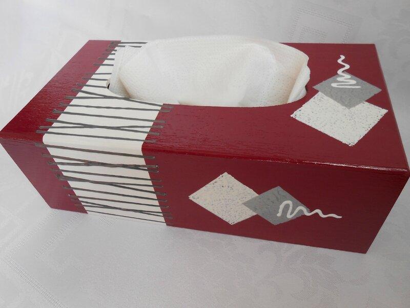 boites a mouchoirs city grise et rouge couleur passion. Black Bedroom Furniture Sets. Home Design Ideas