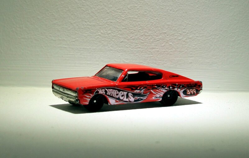 Dodge charger de 1967 (Hotwheels 2004)