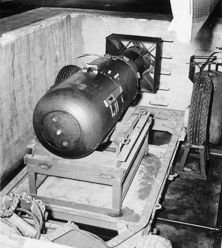 800px-Atombombe_Little_Boy_2