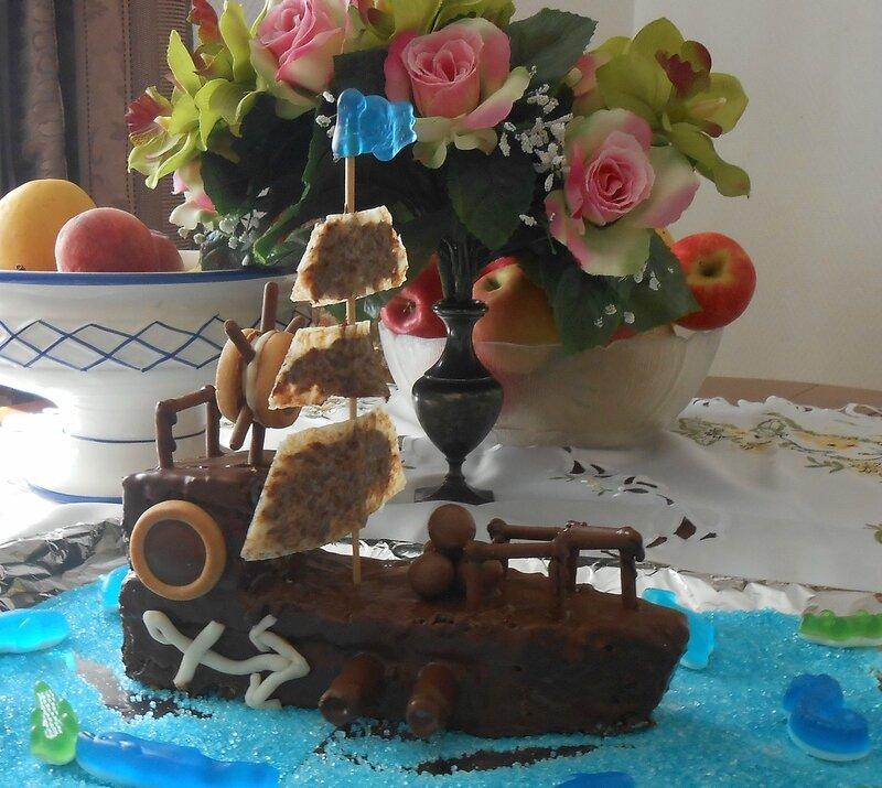 gateau-bateau-pirates-anniversaire-garçon-rigolo-3D- gouter-chocolat-enfant-enfants-