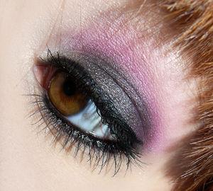 Makeup_noir_et_rose_1
