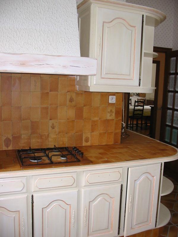 peinture tendance cuisine cuisine rouge tendance decoration cuisine laquee grise cuisine laquee. Black Bedroom Furniture Sets. Home Design Ideas