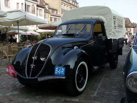peugeot 202 uh camionnette bachee 1946 1949 oldiesfan67 mon blog auto. Black Bedroom Furniture Sets. Home Design Ideas