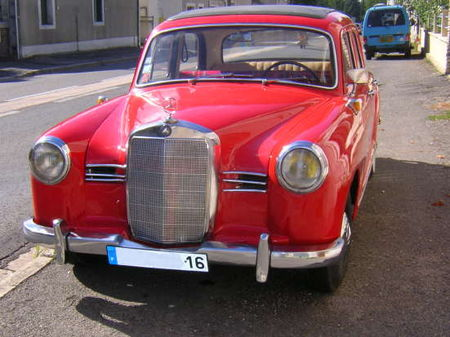 Mercedes180_D_Av
