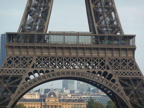 Premier étage de la Tour Eiffel 2011