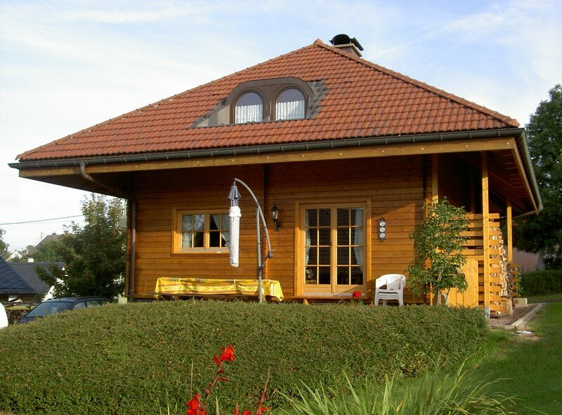 Chalet madrier photo de 1 maisons individuelles amg for Isolation chalet bois madrier