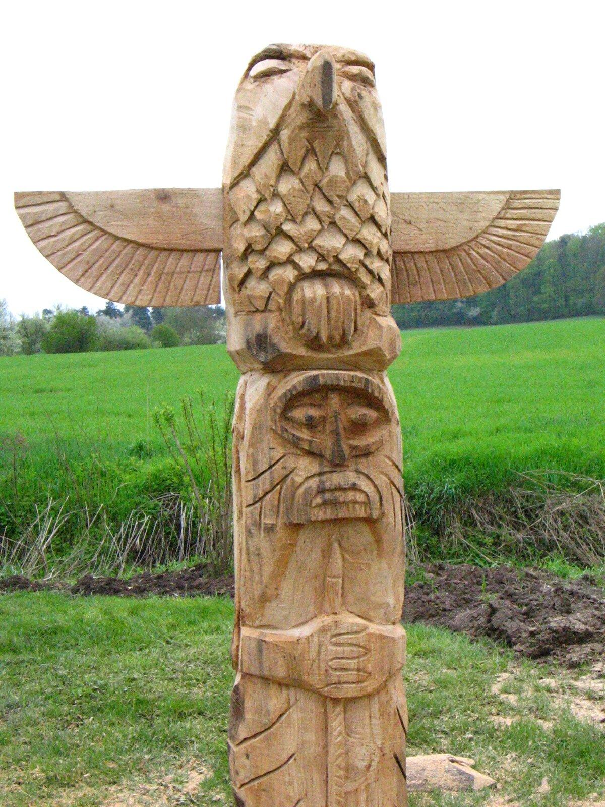 La fête des fleurs à Guerting (57)  Et pourquoi pas une  ~ Fabriquer Un Totem En Bois