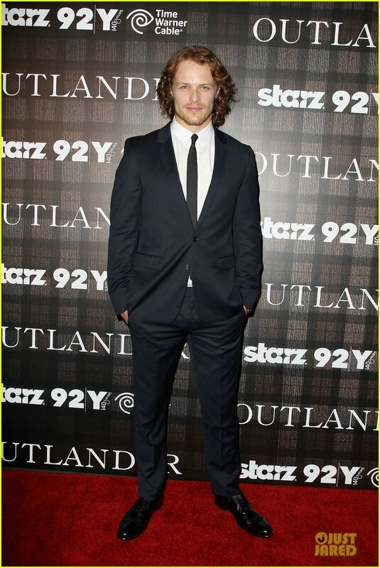sam-heughan-caitriona-balfe-picture-perfect-at-outlander-screening-4