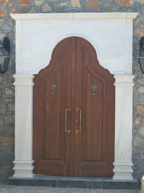 Hydra-Oh, la belle porte!