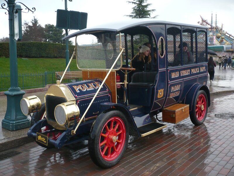 FORD Model T Paddy Wagon Réplica Marne la Vallée - Disneyland (1)