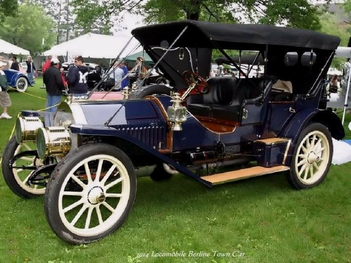 1914 - Locomobile Berline Town Car