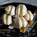 Meringues françaises au caramel et compote de pomme
