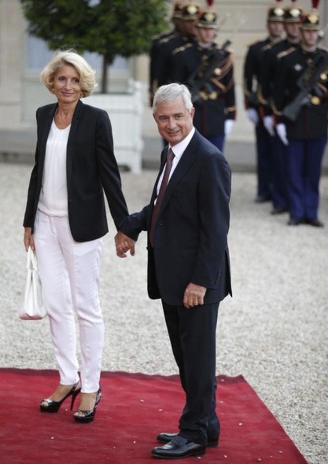 Le président PS de l'Assemblée nationale, Claude Bartolone (PS) donne l'exemple en faisant aussi travailler sa femme depuis 2012