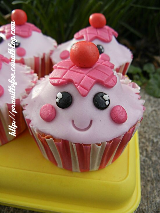 cupcakes kawaii. barbe à papa, insert framboise. - prunille fait