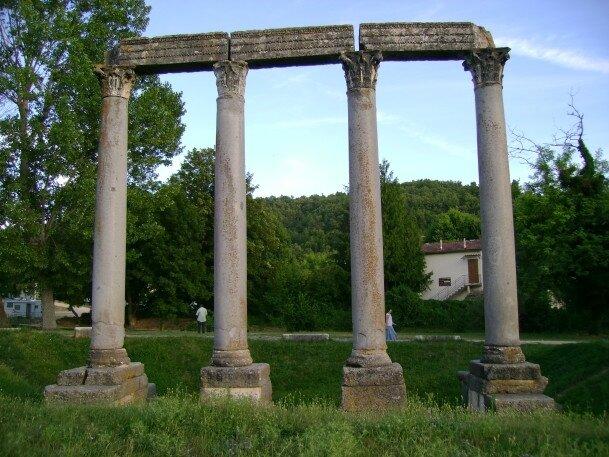 Les colonnes antiques de Riez