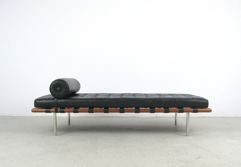 BARCELONA-DAYBED-KNOLL-STUDIO-BLACK-LEATHER-and-MAHOGANY-LUDWIG-MIES-VAN-DER-ROHE-ca