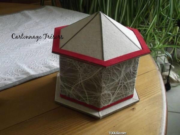 6532 boite hexagonale et pointue