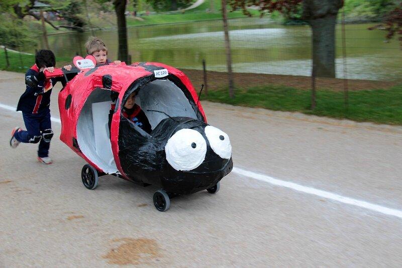 10-Push-cars Buttes chaumont_1416