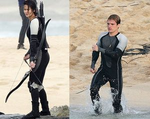 catching-fire-hawaii-katniss-peeta