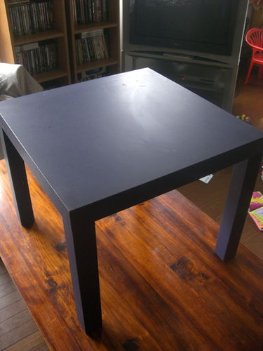 A donner : Table d'appoint bleu IKEA, 55*55 cm