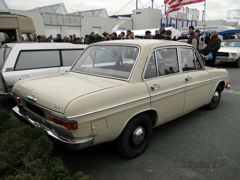 Audi-60-1971-b