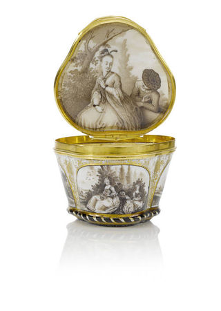 A_Meissen_gold_mounted_snuff_box__circa_1745_501