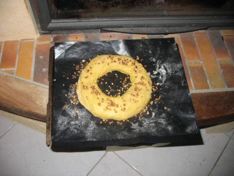 1- on pose la galette devant la cheminée