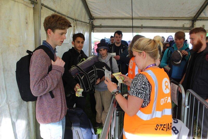 Glastonbury festival 2015 contrôle billet check ticket punter