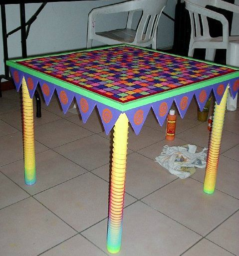 Table basse multicolore id es couleurs cr ations - Table basse multicolore ...