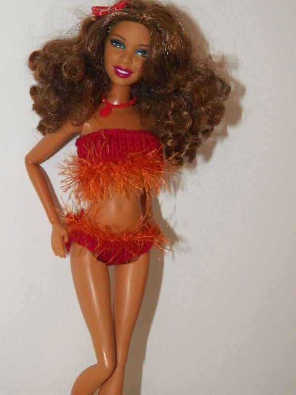 tricot barbie:maillot de bain d'Artsy