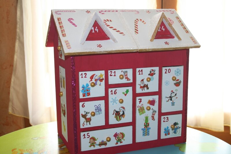calendrier de l 39 avent maison les lutins cr atifs bricolage pour enfants. Black Bedroom Furniture Sets. Home Design Ideas