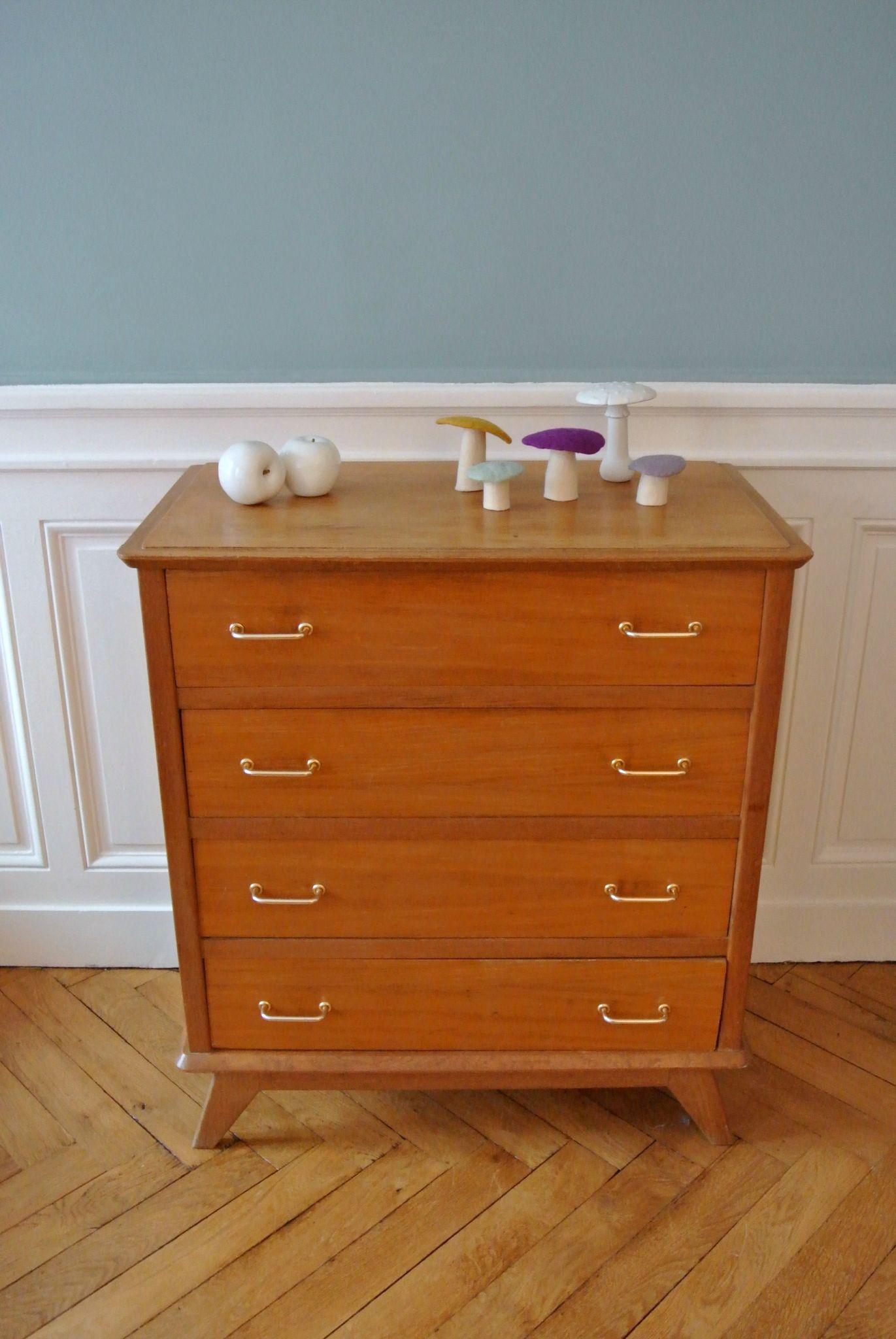commode en ch ne des ann es 50 solveig vintage kids. Black Bedroom Furniture Sets. Home Design Ideas