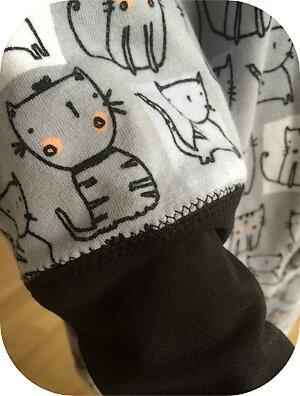Mila_pyjama3