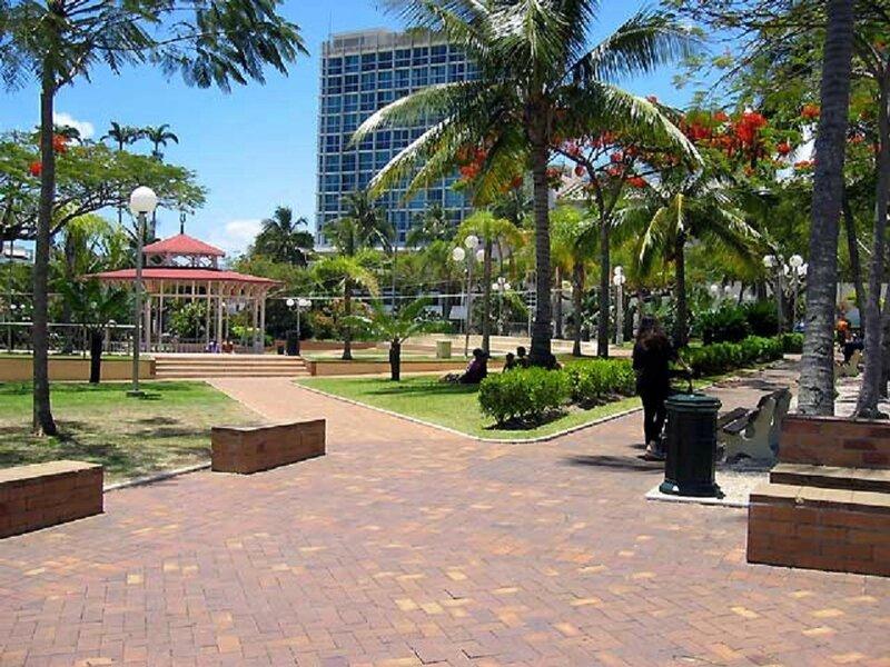 Place des cococtiers Nouméa