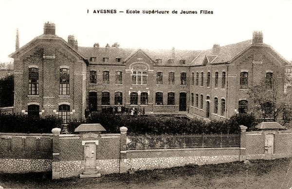 AVESNES-L'Ecole supérieure de jeunes filles (2)